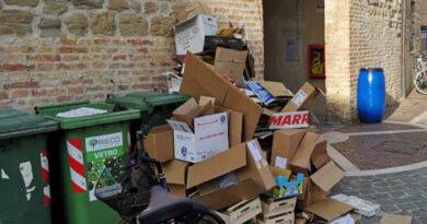 A Senigallia centro storico più ordinato e pulito, maggiore attenzione alla raccolta dei rifiuti
